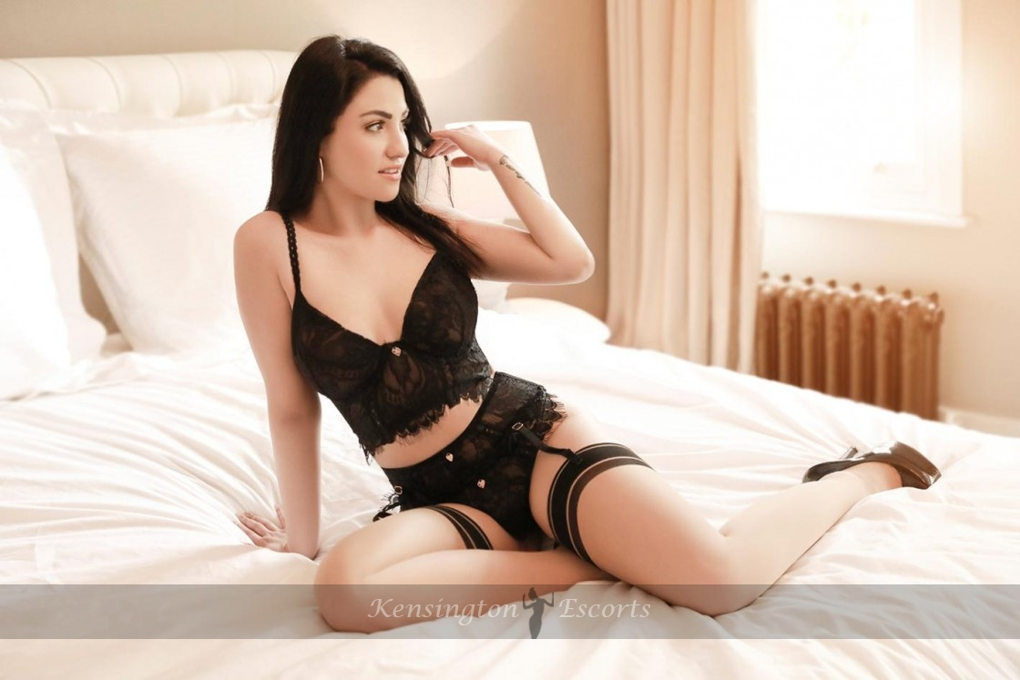 Delia - Kensington Escorts