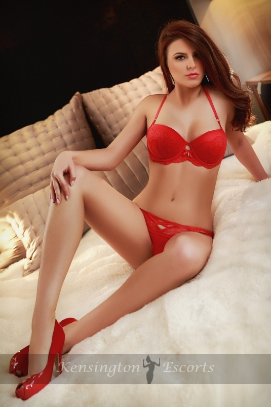 Evelyn - Kensington Escorts