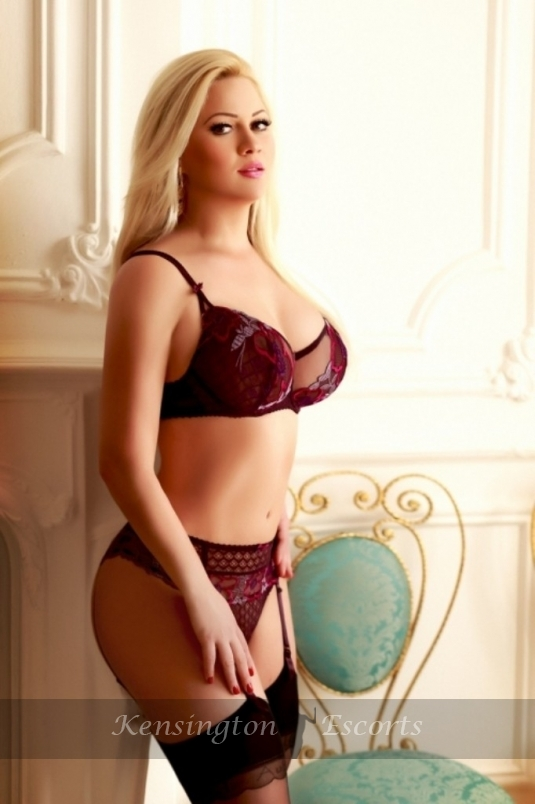 Jacey - Kensington Escorts