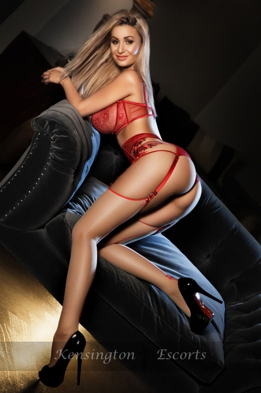 Heidi - Kensington Escorts