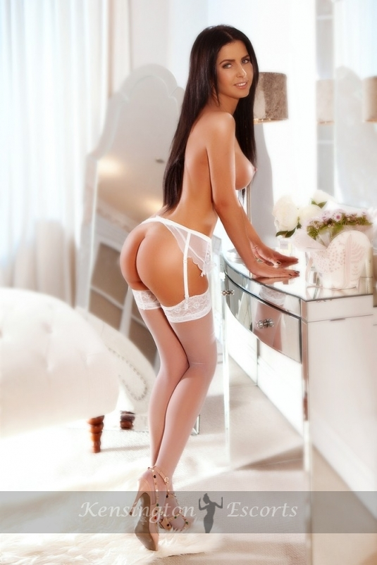 Alisea - Kensington Escorts