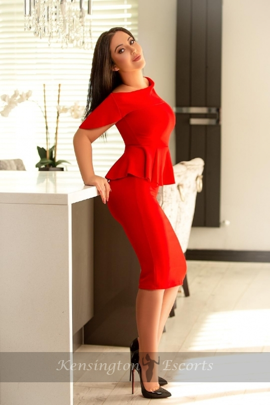 Chery - Kensington Escorts