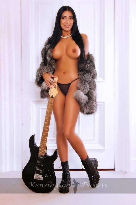 Rachelle - Kensington Escorts