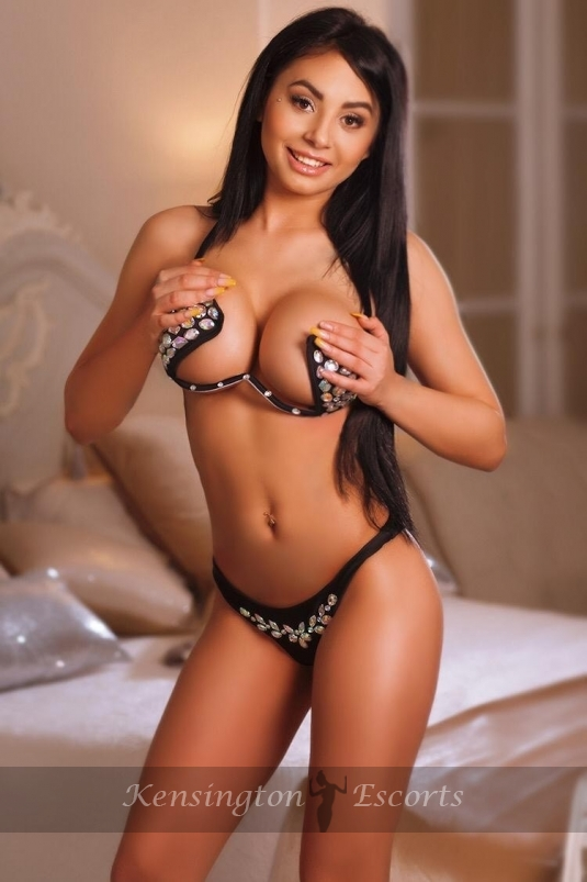 Emilia - Kensington Escorts